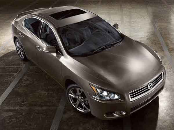 The Nissan Maxima 2014 Have Two New Exterior Colors: Gun Metallic And  Midnight Garnet With A Total Of Eight Available Exterior Colours.