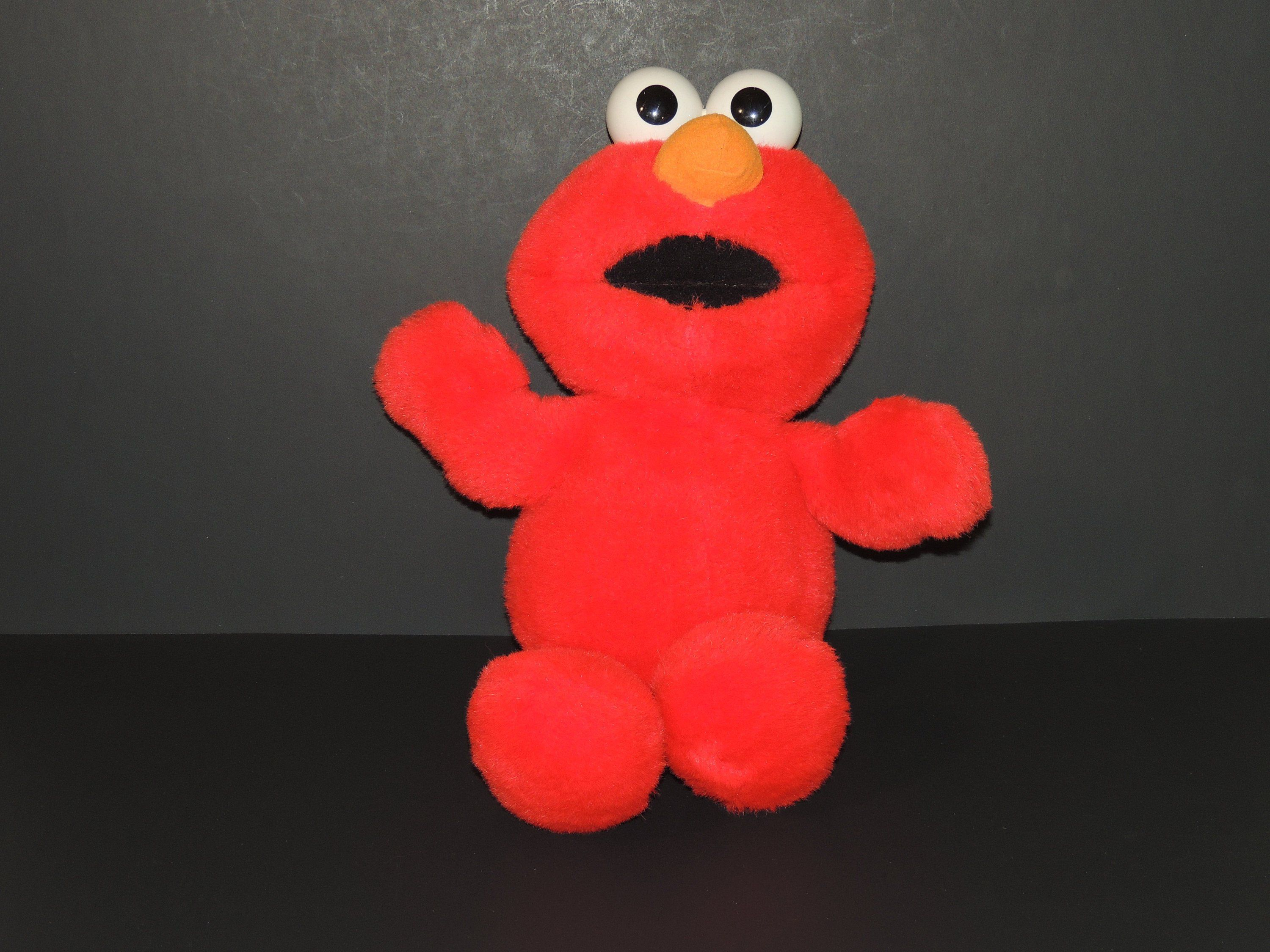 1995 Tickle Me Elmo Jim Henson TYCO Preschool Toys, Inc