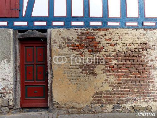 Mauerwerk aus Backstein im Erdgeschoss eines sanierten Fachwerkhauses in Wettenberg Krofdorf-Gleiberg