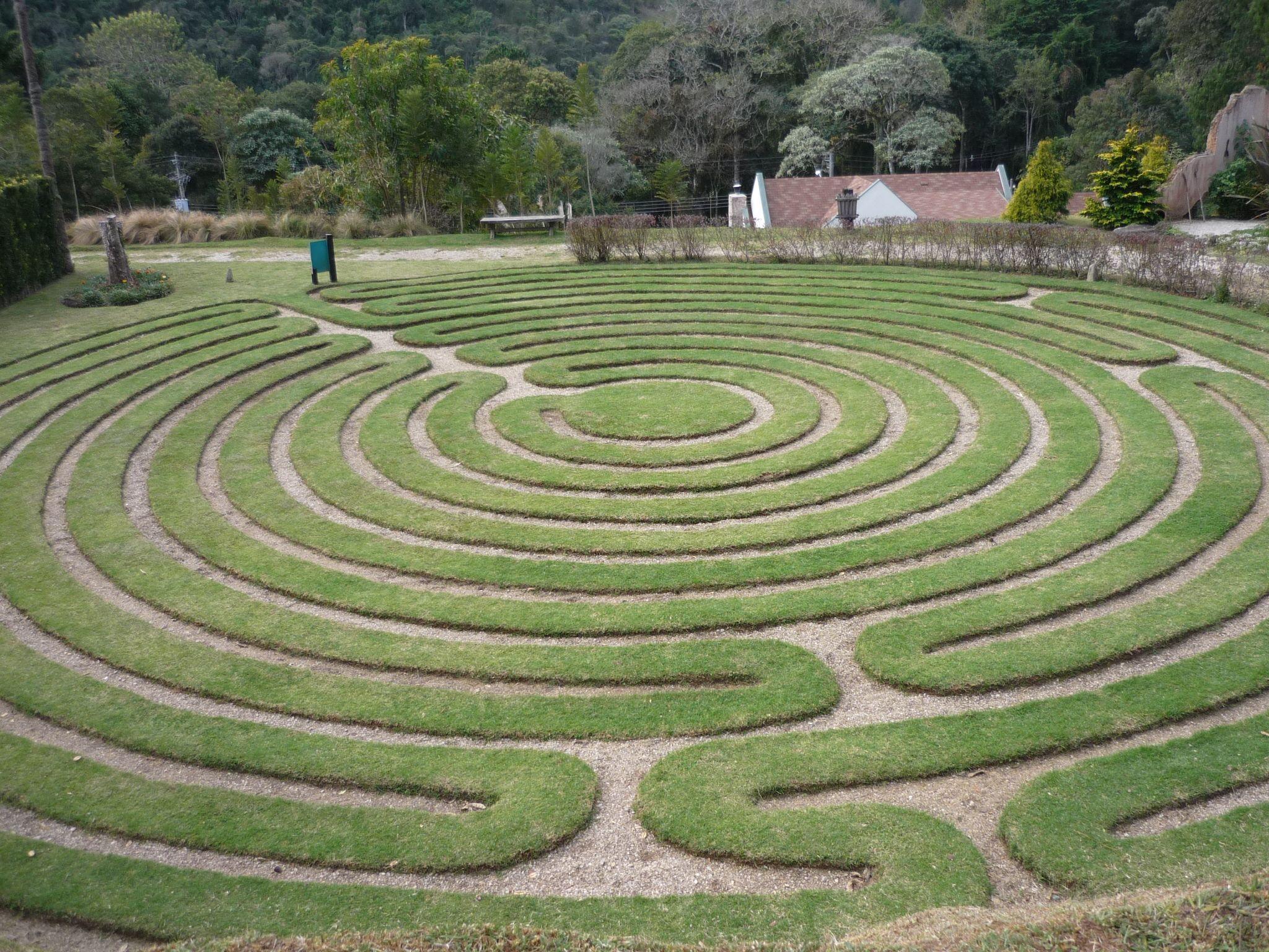 Labyrinth at Amantikir, Campos do Jordão