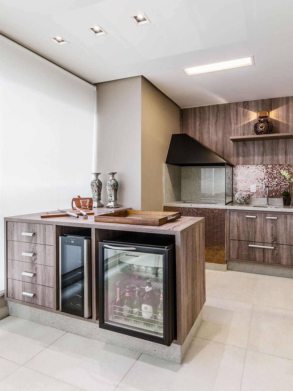 Armario Giratorio Definicion ~ Gostei do aproveitamento da bancada para colocar adega e frigobar Varanda gourmet Pinterest