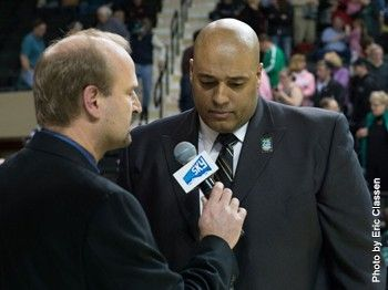 @undsports' Brewster Named Big Sky Women's Basketball Coach Of The Year