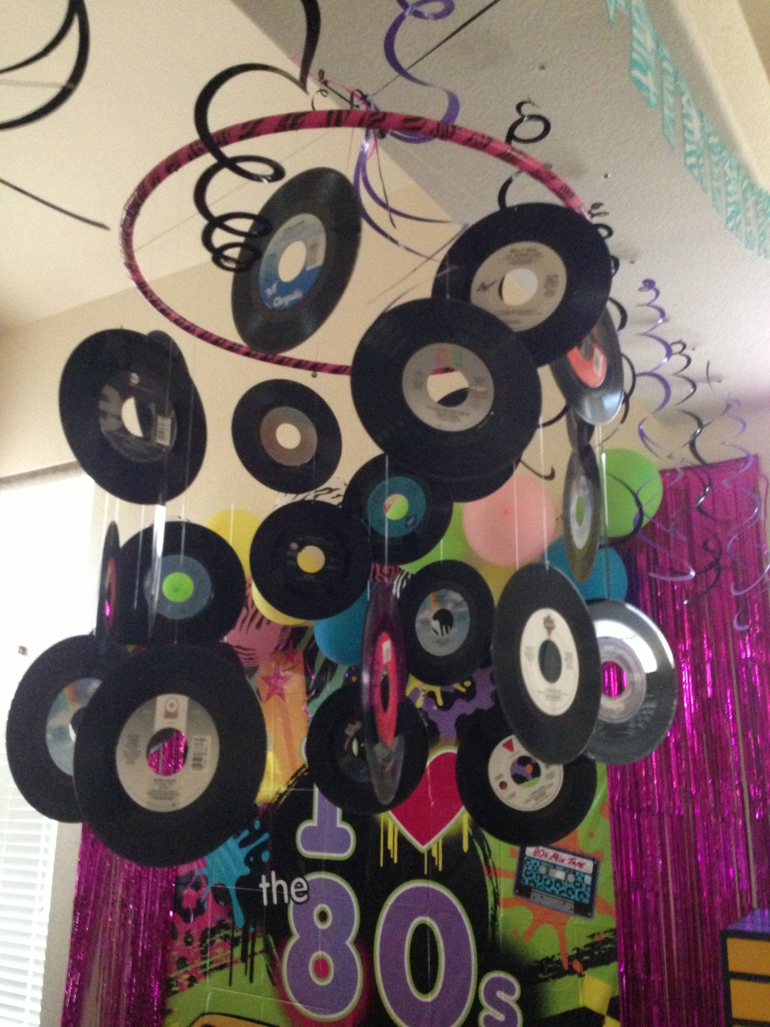 My 80 39 s party decorations 45 rpm record chandelier 80 for Record decoration ideas