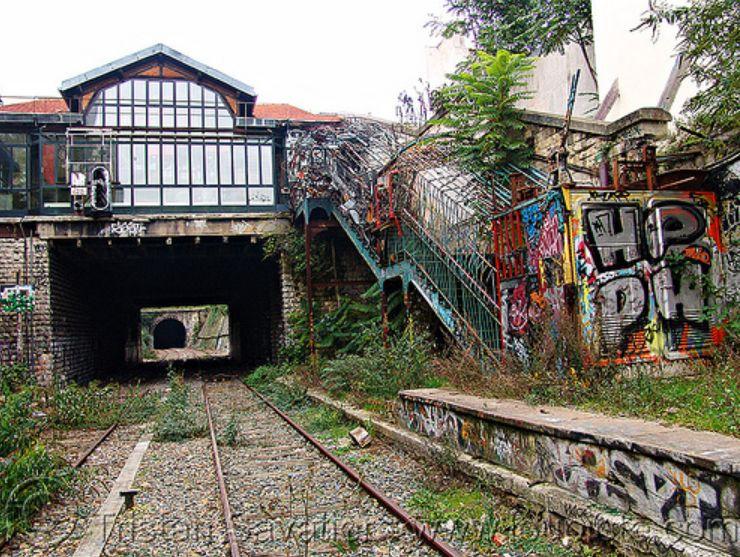 abandoned train station petite ceinture an abandoned