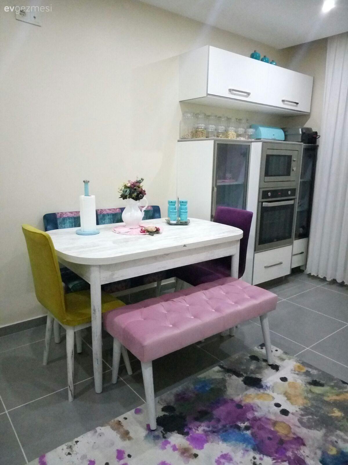 Mutfakta neşeli, salonda sade ve sıcak. Keyifli ve şık bir dekor. – 4