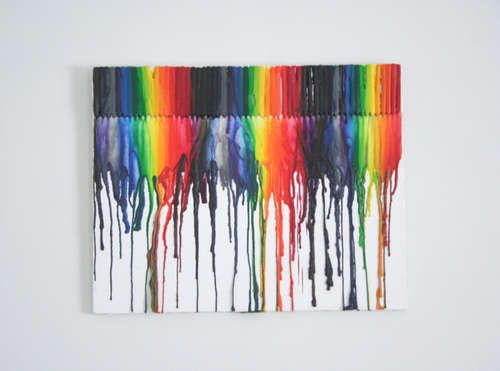Melted crayon art- so cute for a kids bedroom. You can write their names in it too!