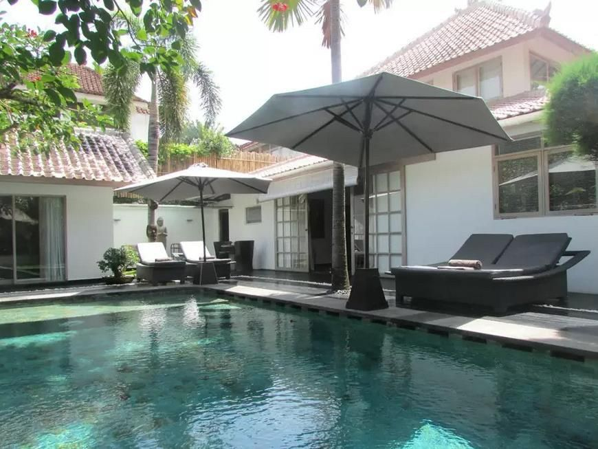 Bali Amore Mio Villa Indonesia, Asia Ideally located in the prime touristic area of Seminyak, Amore Mio Villa promises a relaxing and wonderful visit. The hotel offers guests a range of services and amenities designed to provide comfort and convenience. Airport transfer, car hire, laundry service, bicycle rental are there for guest's enjoyment. Each guestroom is elegantly furnished and equipped with handy amenities. To enhance guests' stay, the hotel offers recreational facili...