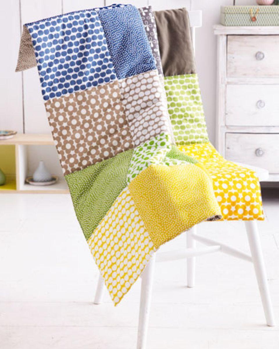 patchworkdecke n hen anleitung zum nachmachen n hen sewing knitting und knitting patterns. Black Bedroom Furniture Sets. Home Design Ideas