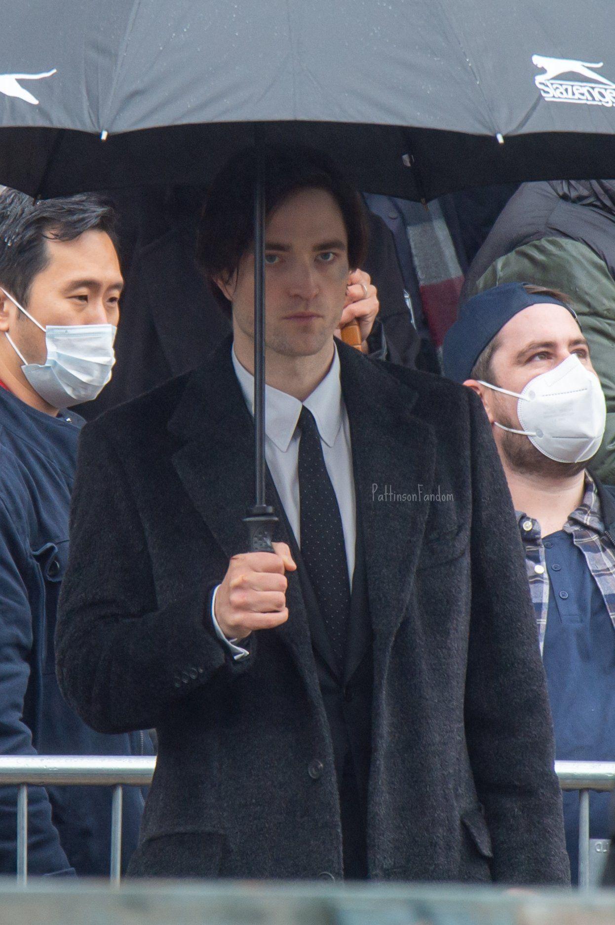 Robert Pattinson Photos On Twitter Robert Pattinson Movies Robert Pattinson Bruce Wayne