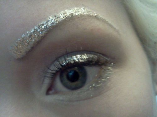 Glitter eyebrows and simple glitter eye makeup