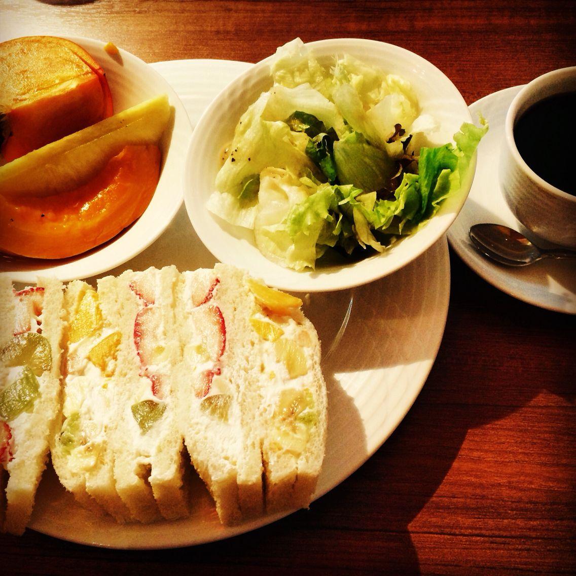 Today's special breakfast is Fruit sandwich.