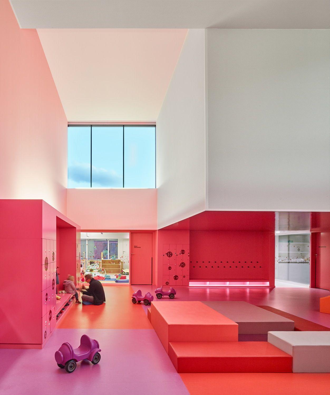 Bunte burg im oberelsass kindergarten von dominique for Raumgestaltung und innenarchitektur