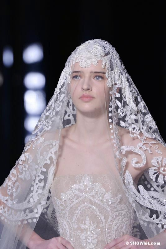 ONE LOOK ALL DETAILS 2.  Elie Saab Haute Couture Wedding Dress.