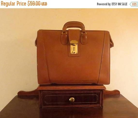 191f180305611 Vintage Gladstone Style Briefcase In British Tan Leather With Brass ...