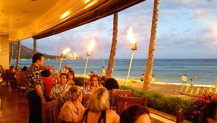 The Ocean House At Outrigger Reef Hotel In Waikiki Casual Elegance Along Side Beach Perfect For Any Occasion