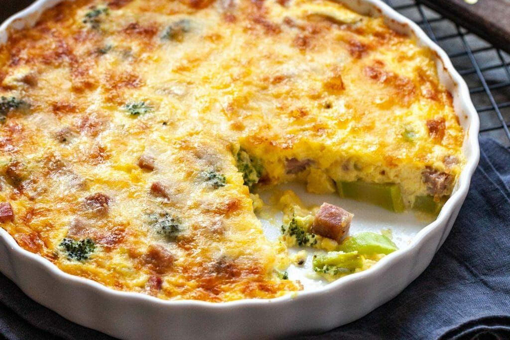 Cheesy crustless quiche with broccoli and ham recipe in