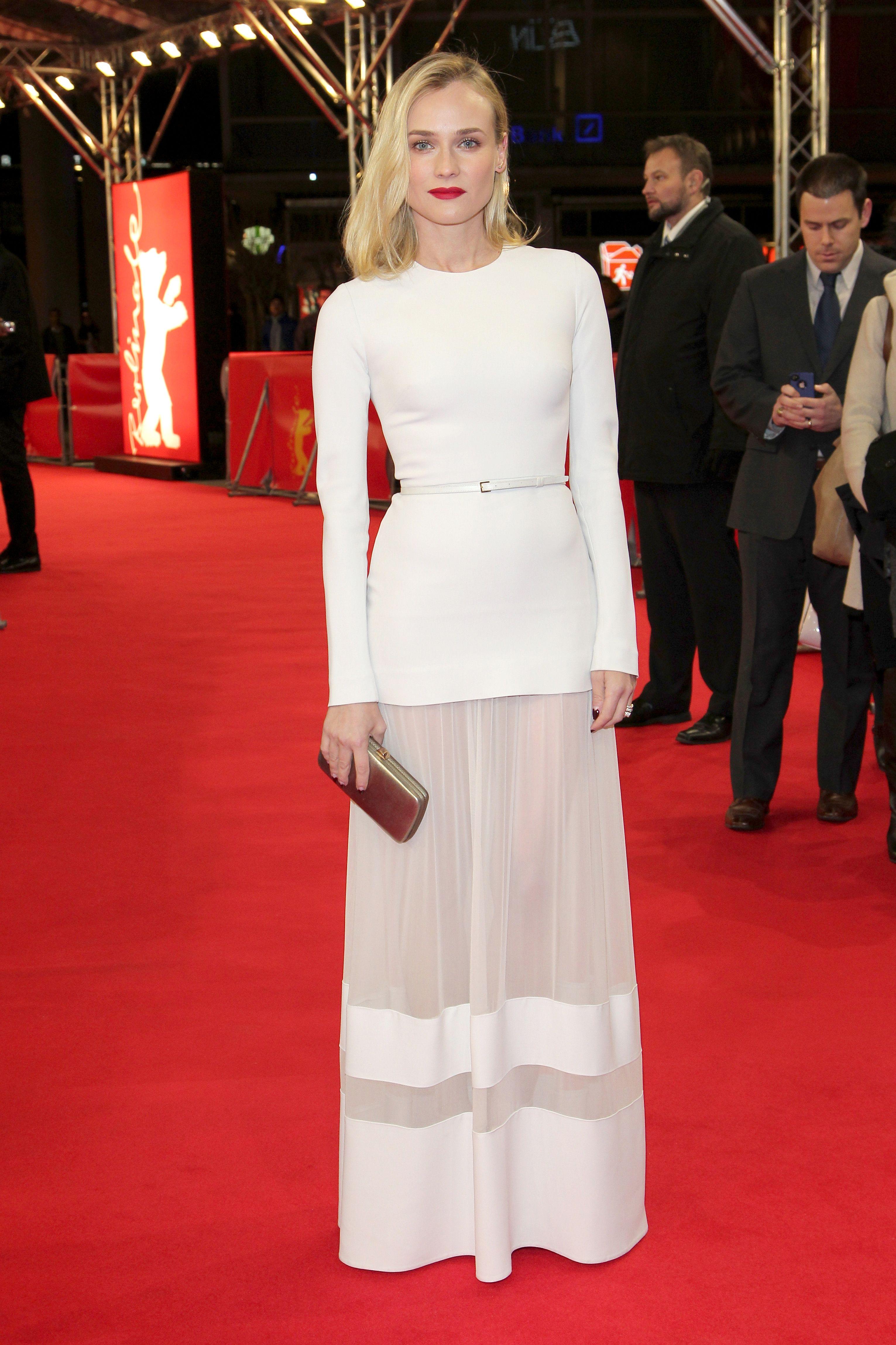 Lookvogue lady in whiteu diane kruger hipnotiza la alfombra roja en