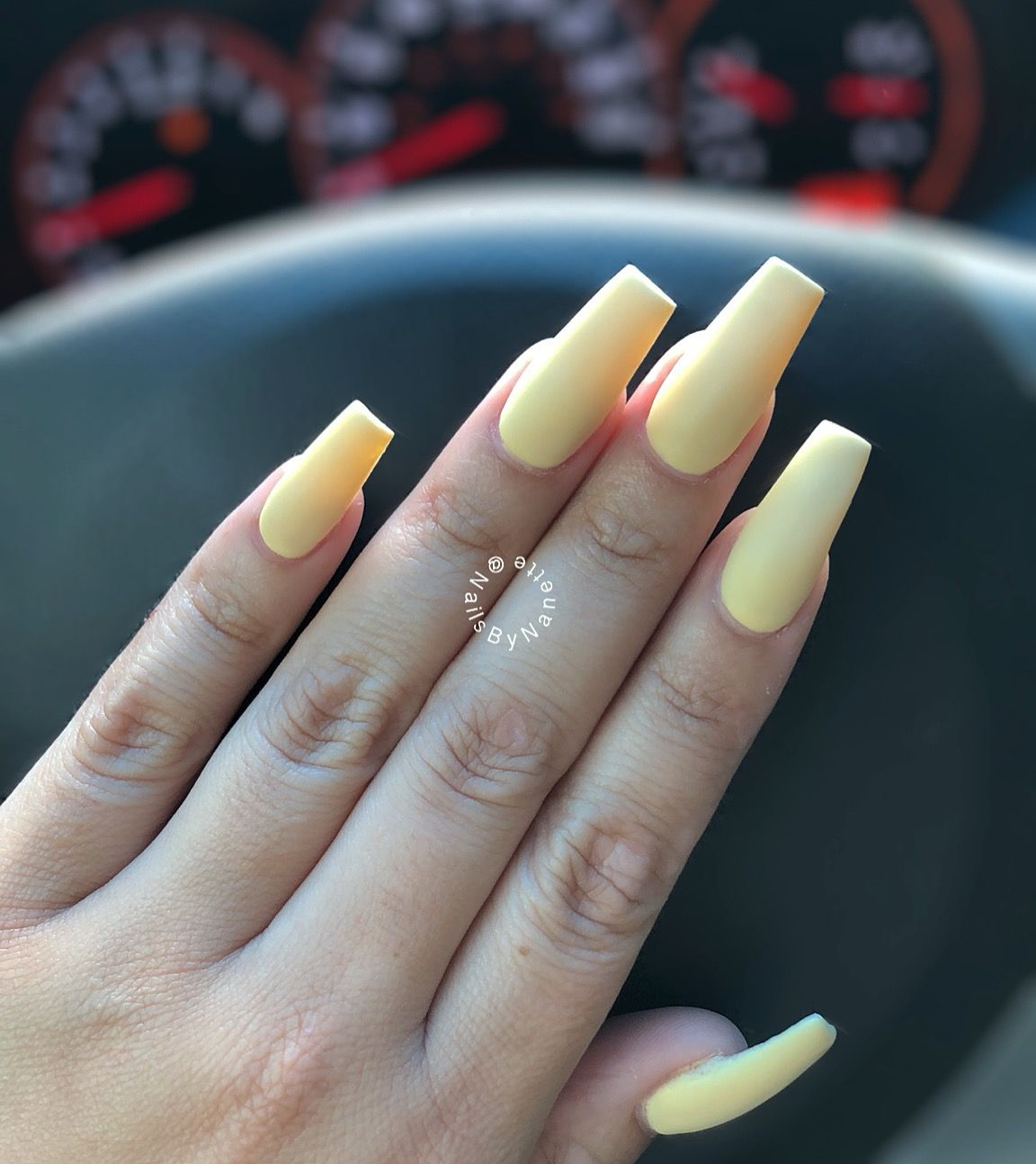 Pastel Yellow Matted Coffin Or Ballerina Nails In Medium Length Acrylic Nails Yellow Acrylic Nails Pastel Square Acrylic Nails