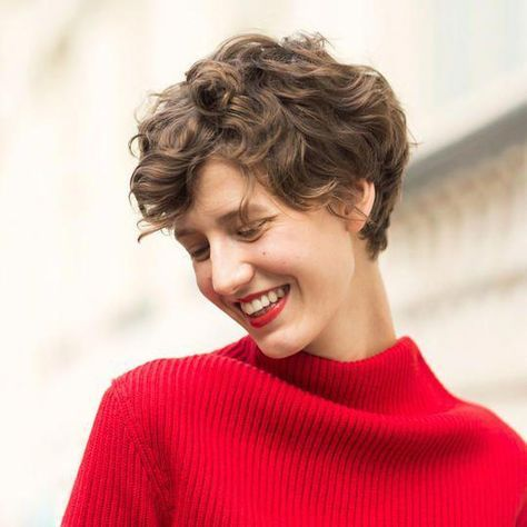 Short Curly Hairstyles That Will Give Your Spirals