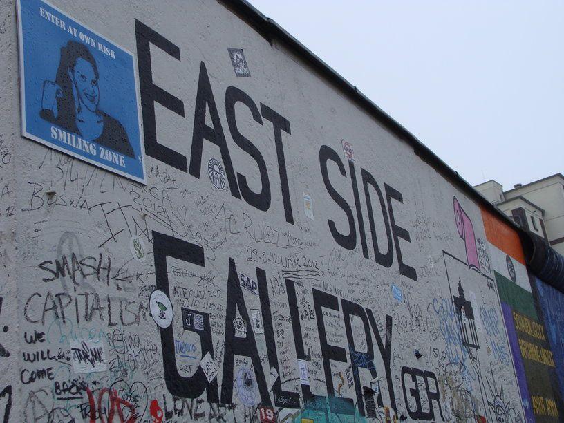 Berlin So Hip De East Side Gallery Een Restant Van De Muur Dat Als Museum Wordt Gebruikt Restanten Museum Muur