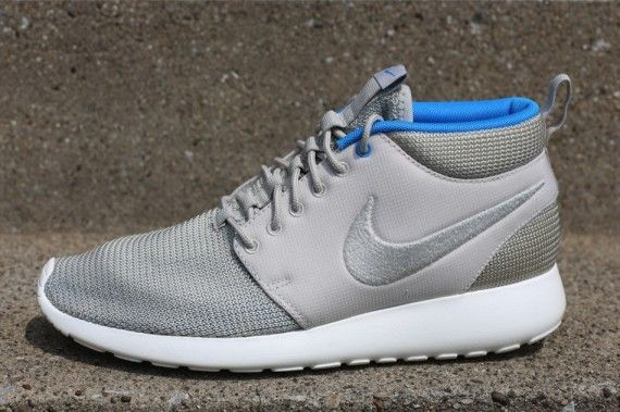 1a8199de97bf Nike Roshe Run Mid - Mortar - Blue Hero - Sail - SneakerNews.com ...