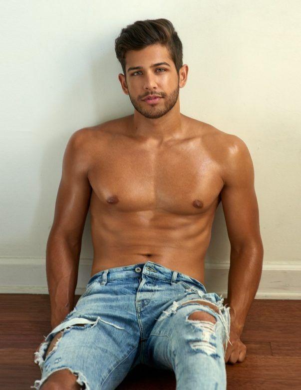 naked boy American idol
