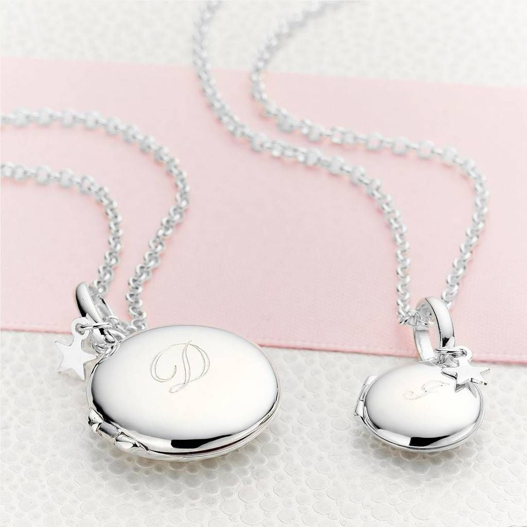 Personalised Girl/'s Sterling Silver Large Round Locket