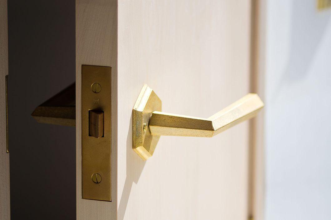 レバーハンドル Matureware By Futagami 真鍮鋳肌の建築金物