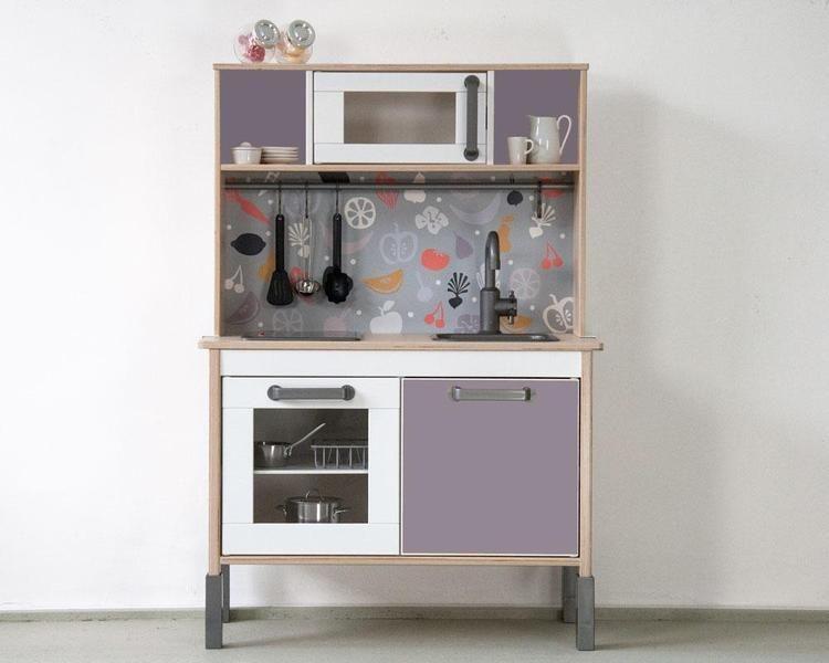 Kinderküche pimpen mit der Möbelfolie FRUKTIG! von