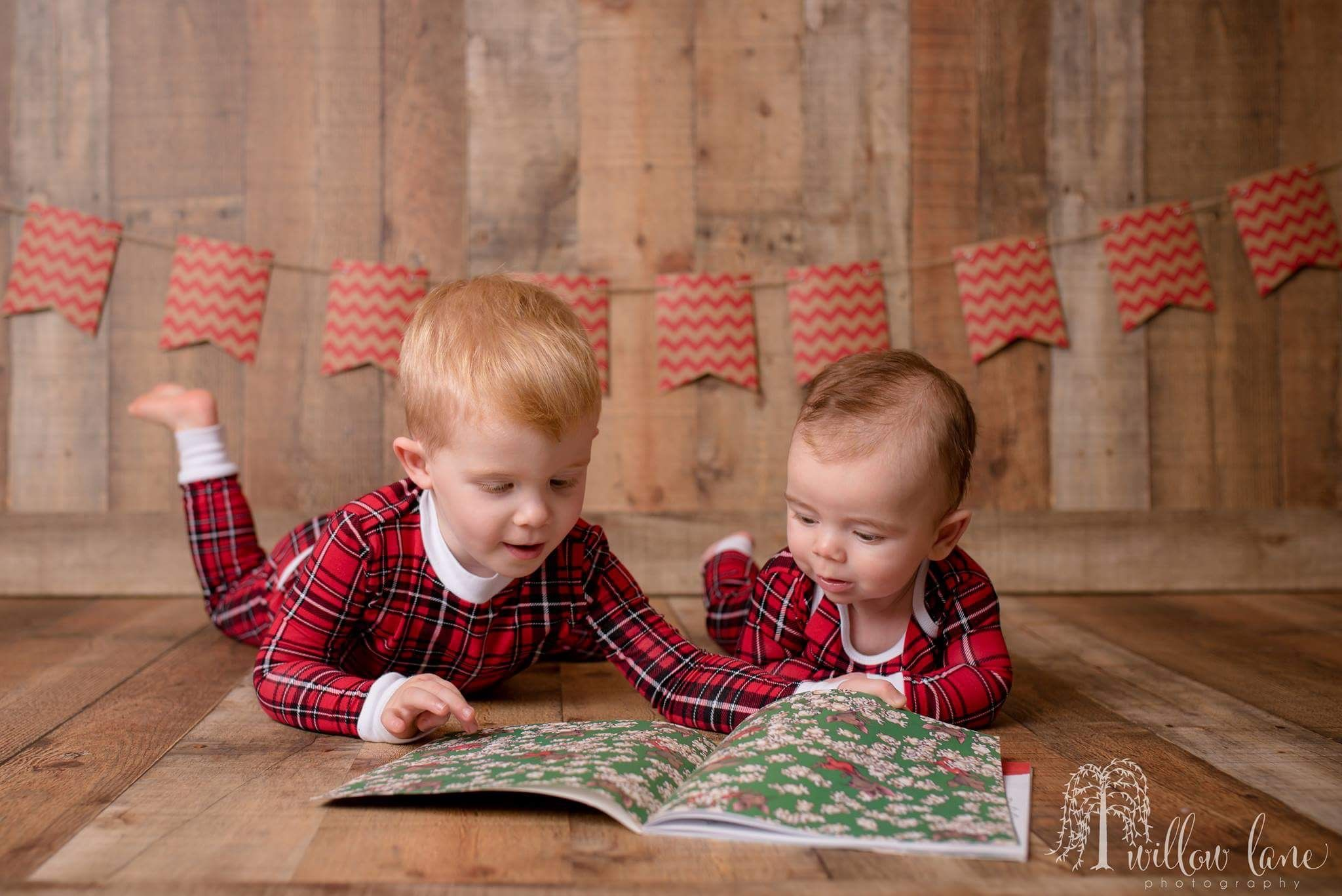 Christmas Pic Ideas.Christmas Pictures Brothers Xmas Pajamas Photography