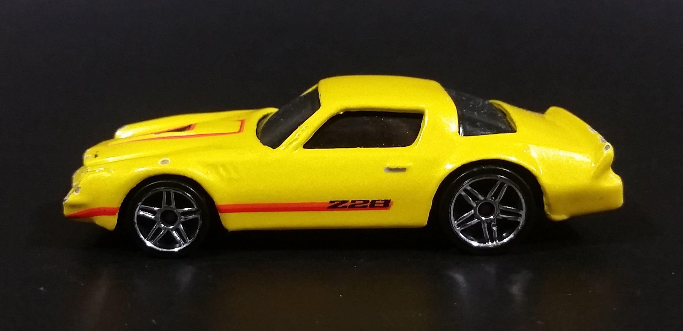 2007 Hot Wheels Chevrolet Camaro Z28 Yellow Die Cast Toy