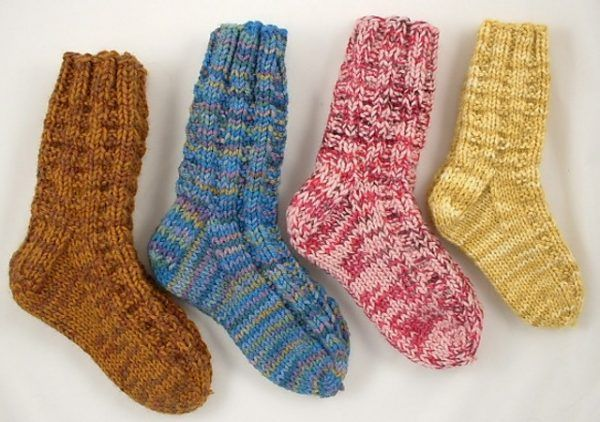 12 Adorable (and Free) Knitting Patterns for the Tender Feet of Children - Knitting for Charity