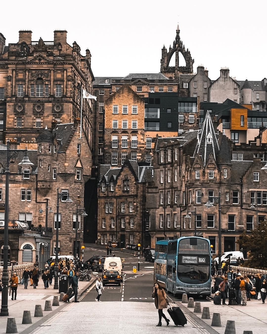 Spectacular Street Photos In Edinburgh By Ian G Black Places To Travel Travel Aesthetic Places To Go