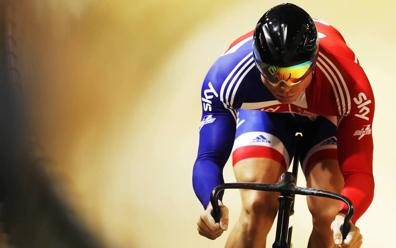 Pin By Pipa Po On Fotosport Pinterest Cycling Chris Hoy And