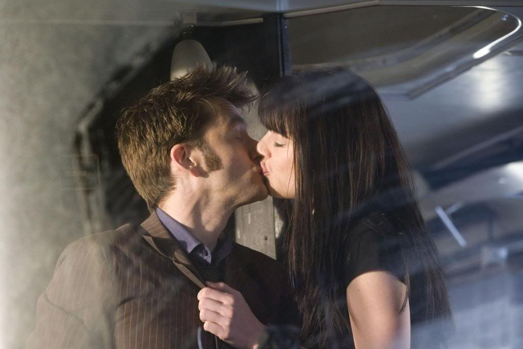 The Doctor Kisses Lady Christina de Souza in Planet of the Dead