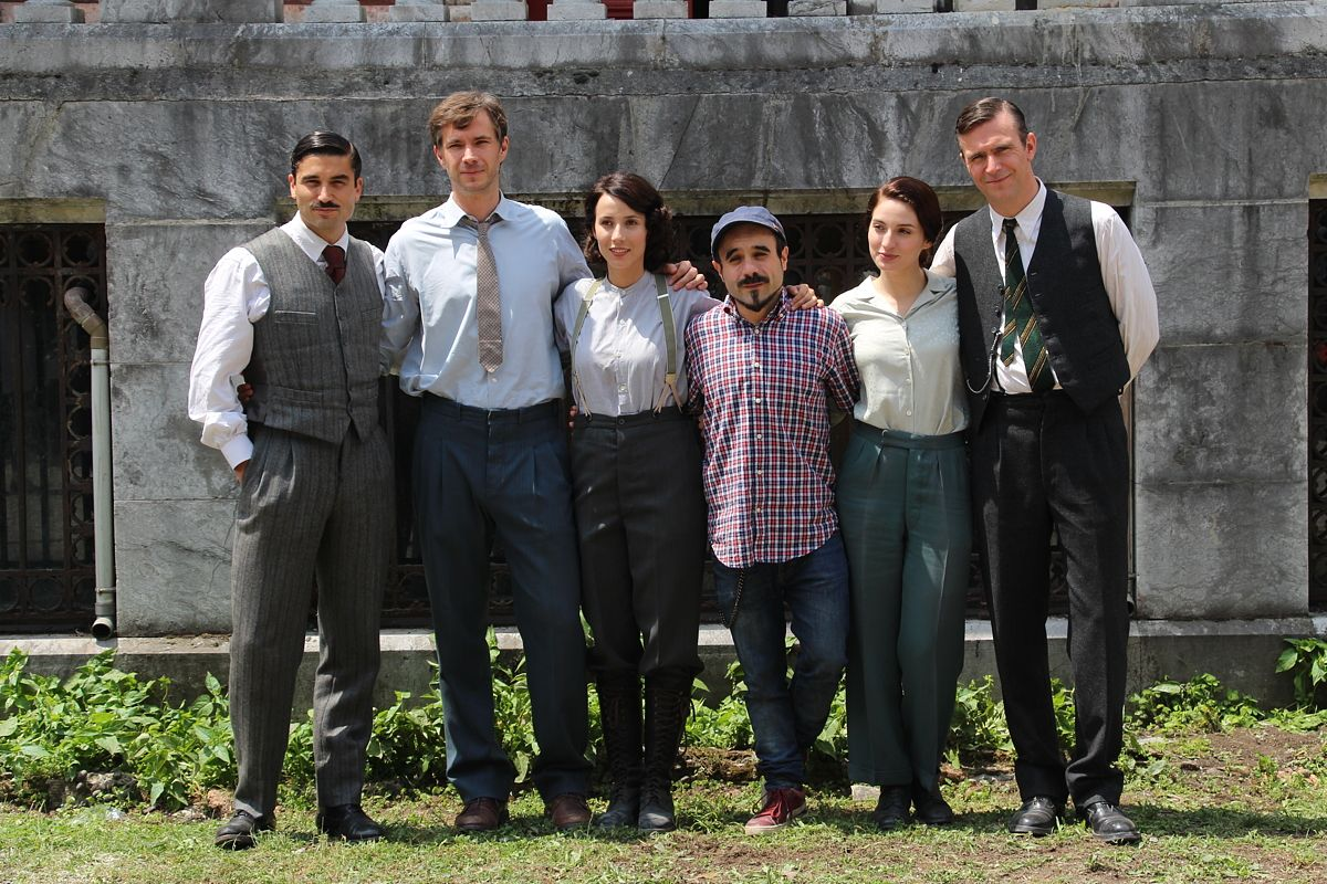 June 9, 2015: Digital Barakaldo: The Movie 'Guernica' terminating filming at the palace of the Finca Munoa http://barakaldodigital.blogspot.ca/2015/06/la-pelicula-gernika-da-por-concluido-el.html