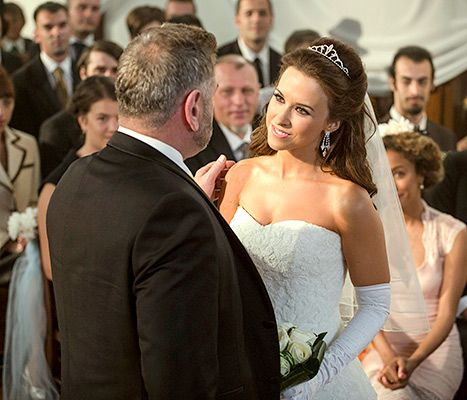 Look Familiar? Lacey Chabert Wore Her Own Wedding Dress ...