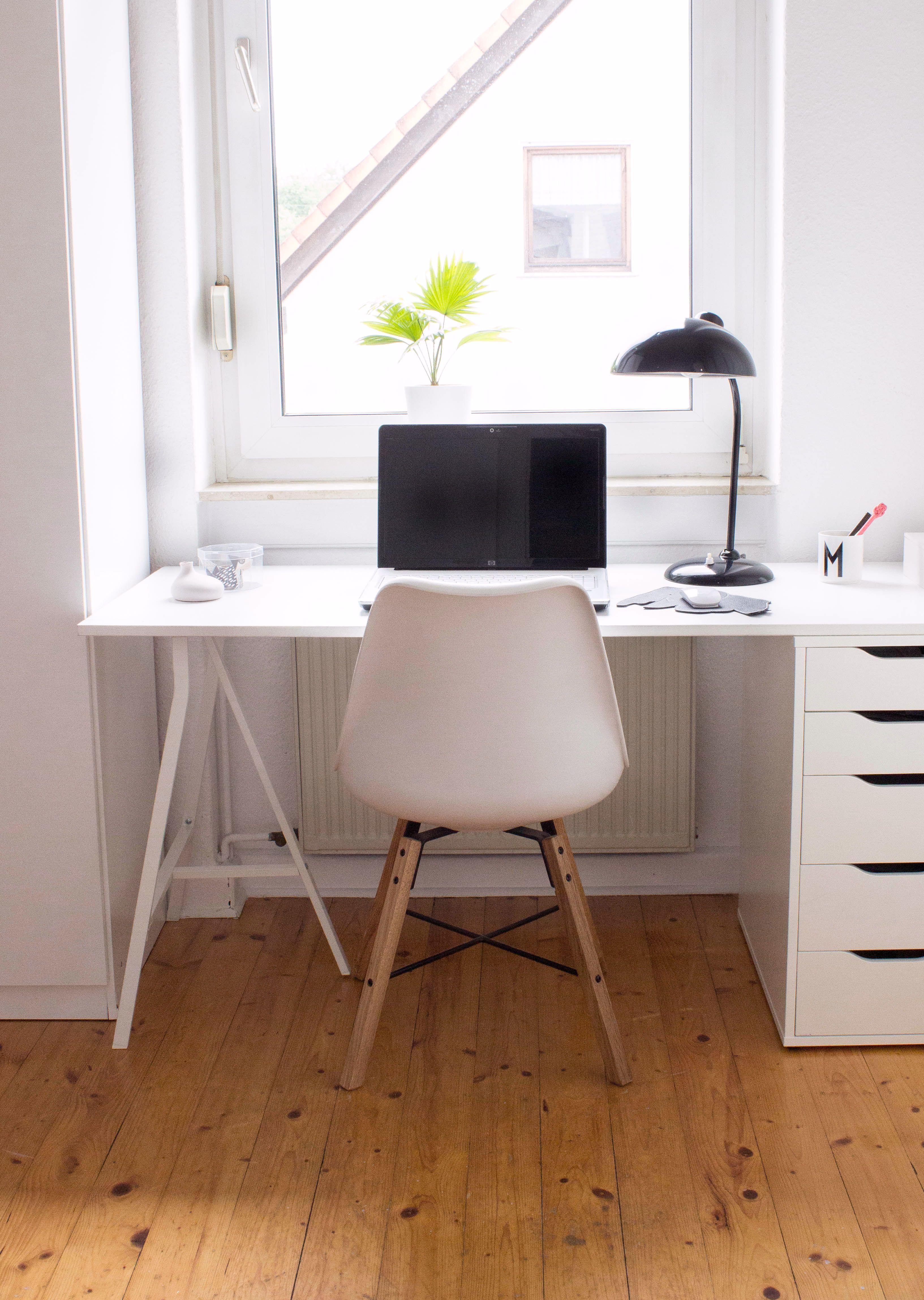 Mehr Accessoires Und Möbel Für Euer Büro Findet Ihr Auf Unserem Shop.  Foto:Maditas
