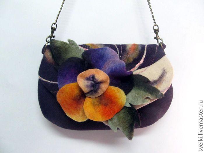 Photo of Small handbag of Pansy. Handmade.