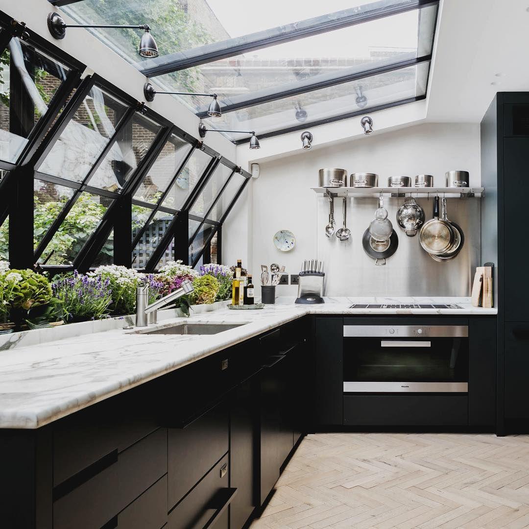 sumner place iii's skylit kitchen is elegant and inviting. #london, Innenarchitektur ideen