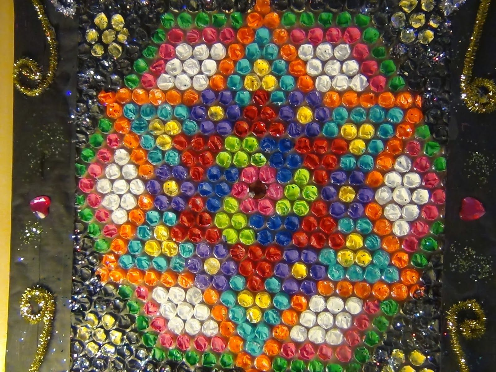 Creative diy crafts buble wrap rangoli creativity for Handicrafts from waste