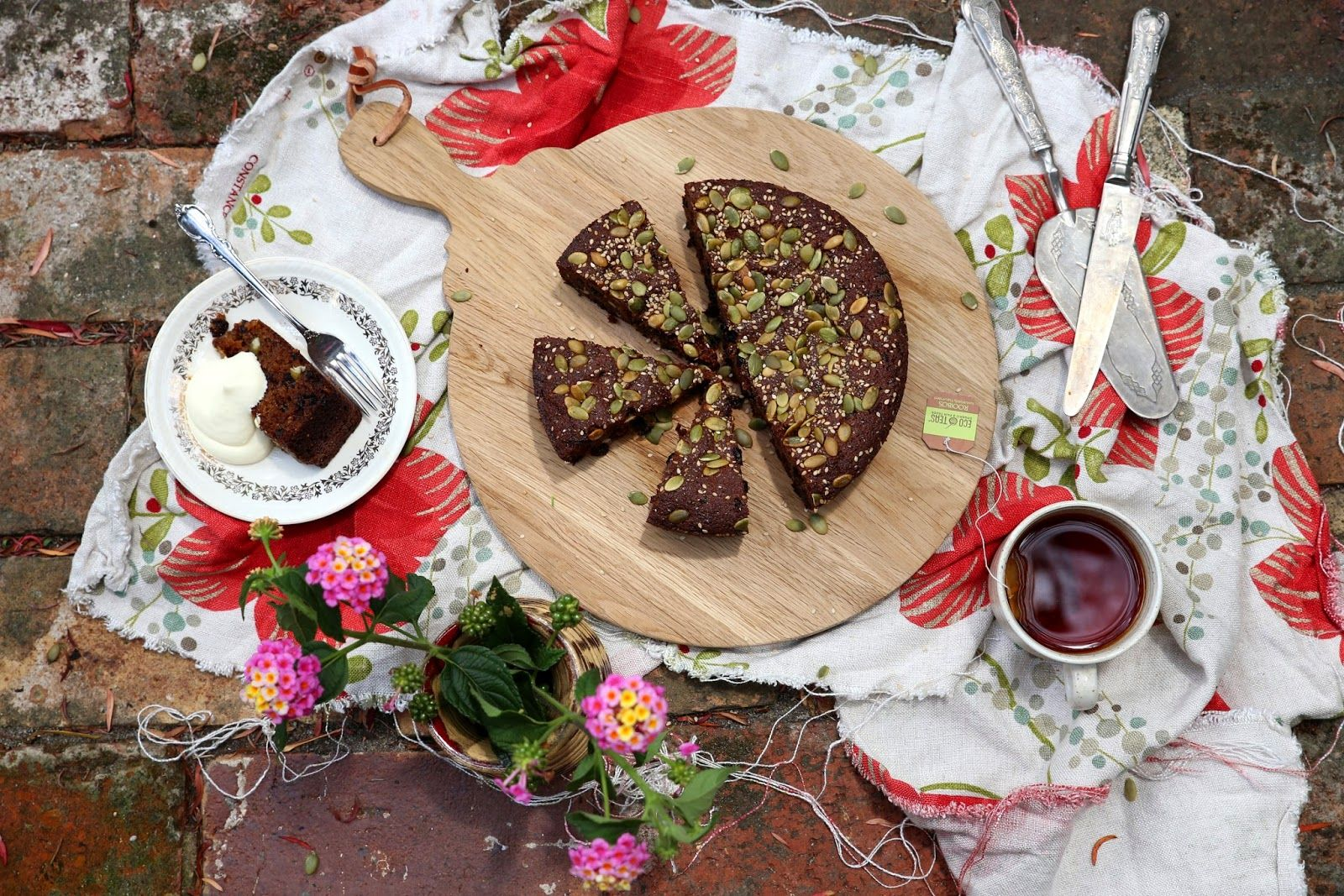 MOIST FIG & & NUT FLOUR CAKE SWEETENED WITH RAPADURA SUGAR