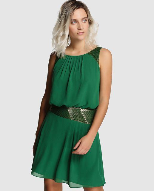 571ffdb15 Vestido corto en color verde con detalles laminados. Sin mangas