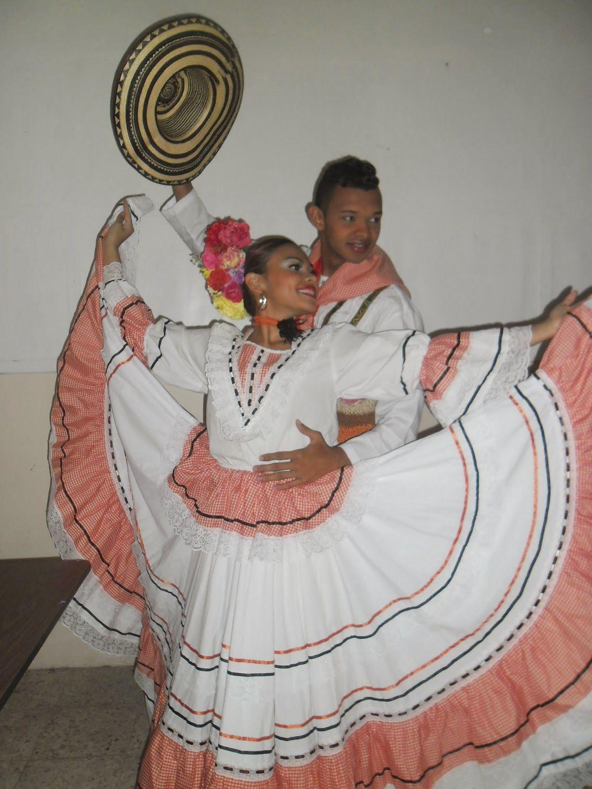 659fedfaa fotos de trajes para cumbia colombiana - Buscar con Google | trajes ...