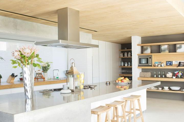 10 inspiring kitchen island design ideas in 2020 cheap kitchen remodel kitchen island bench on kitchen island ideas cheap id=23824