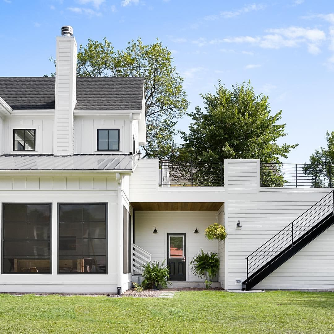 Quaintest Little Side Porch On This Classic Modernfarmhouse And How About That Rooftop Deck House Makeovers Rooftop Deck Side Porch