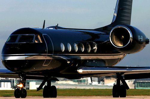 black private jet jet de r ves pinterest jet priv avion priv and jet. Black Bedroom Furniture Sets. Home Design Ideas