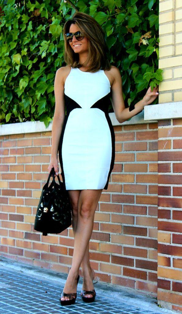 Fashion and Style Blog / Blog de Moda . Post: A dress on sale / Un vestido de rebajas.More pictures on/ Más fotos en : http://www.ohmylooks.com/?p=18651
