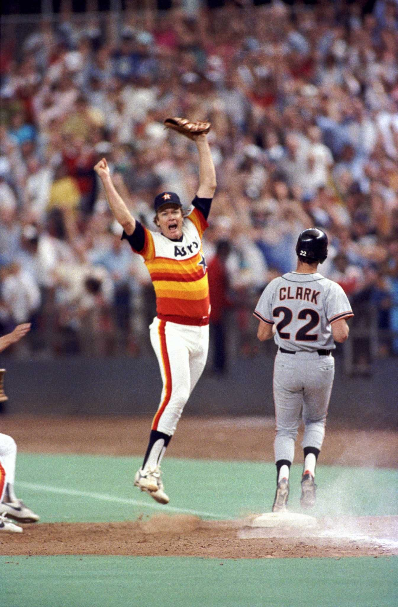 One Of The Great All Time Moments In Astros History Mike Scott Pitches A No Hitter As The Stros Clinch With Images Houston Astros Baseball Astros Baseball Texas Sports