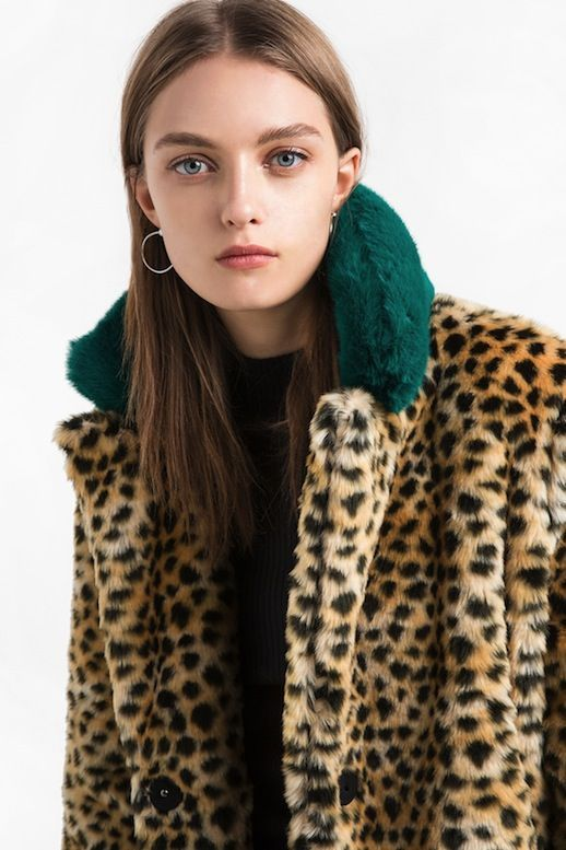 This Funky Leopard Print Coat Is A Cool Girl S Dream Le Fashion